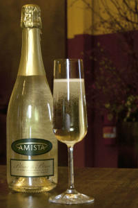 Amista Vineyards Sparkling Blanc de Blanc (club only)